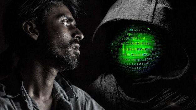 Hackeaba redes wifi para descargar material pedófilo