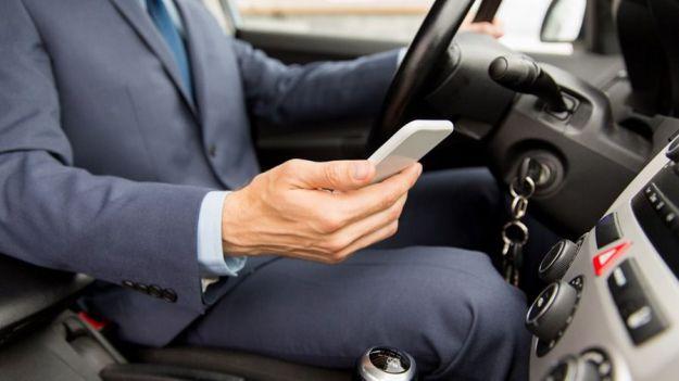 ¿Usas el móvil al volante?