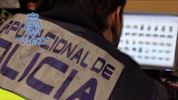 La Policía Nacional detiene en Huesca a un joven por posesión de pornografía infantil