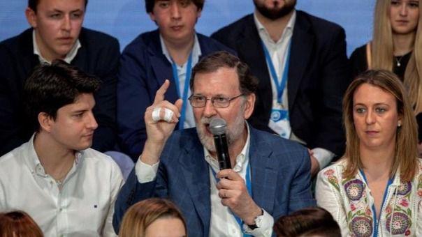 Rajoy pide aprobar los Presupuestos porque España no se puede parar