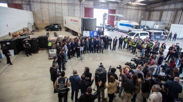 Zoido anuncia la mayor incautación de narcotráfico en España