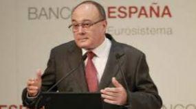 El Banco de España pide más fusiones hasta que fluya el crédito