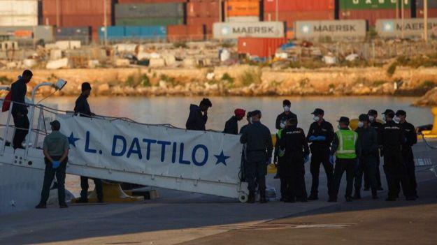 El Gobierno de España considera que Europa tiene que hacer una revisión de su política respecto a los migrantes