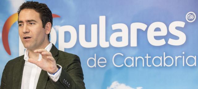 El PP propone a Sánchez que dé paso a otro candidato
