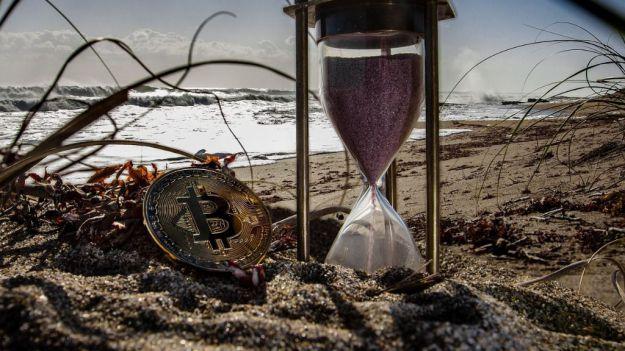 Un mes más de dificultades para las criptomonedas