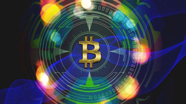 Bitcoin logra su mayor subida en meses