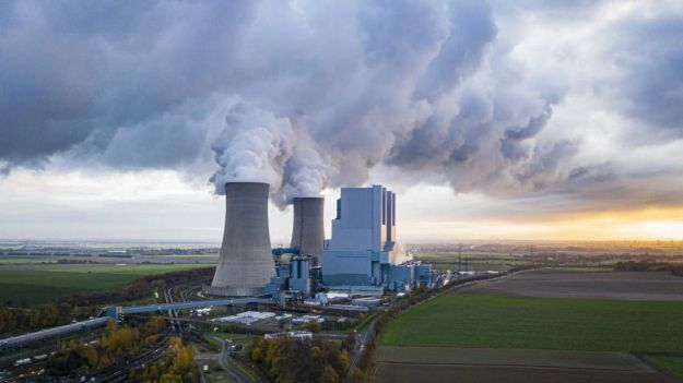 'Un futuro sin carbón' recuerda a empresas, bancos y Gobierno que deben cumplir con sus compromisos