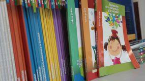 Educación revisará urgentemente los libros de texto de varias Comunidades Autónomas