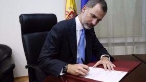 El héroe del monopatin es condecorado en España