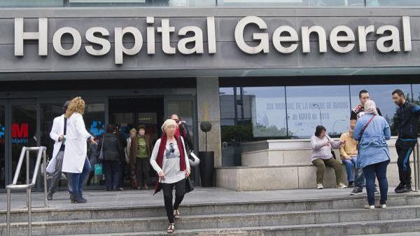 España registra 767 fallecimientos por coronavirus, de los que tres eran menores de 65 años