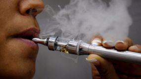 España regula las hierbas para fumar y el cigarrillo electrónico