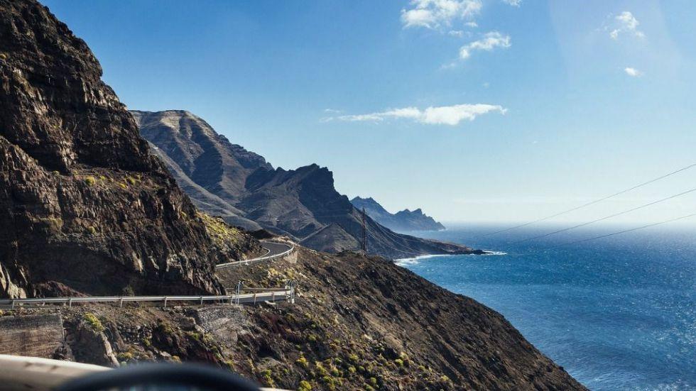 Se restringe el transporte de personas en Canarias