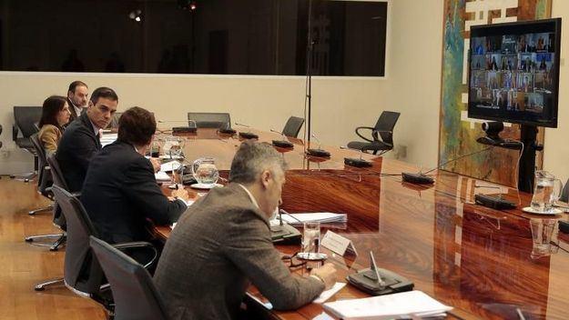Sánchez anuncia a los presidentes autonómicos la prórroga del estado de alarma