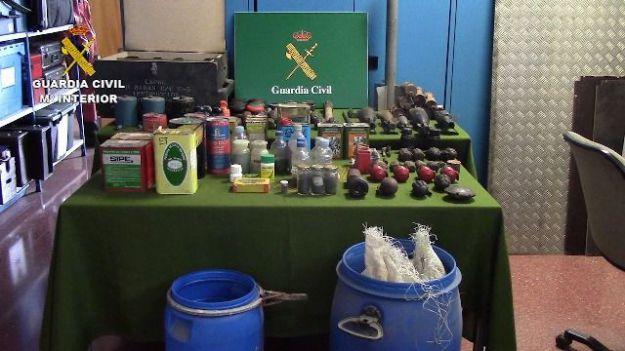 Halladas armas y material explosivo en una caseta en Sant Celoni (Barcelona)