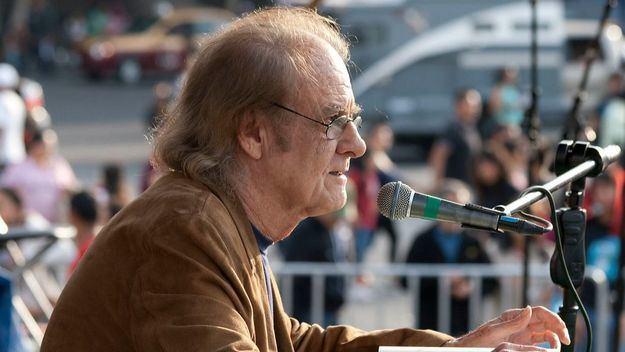 El cantautor Luis Eduardo Aute ha fallecido en Madrid a los 76 años de edad
