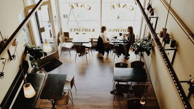 Los hosteleros estiman una caída de la facturación anual de sus negocios de hasta un 40%