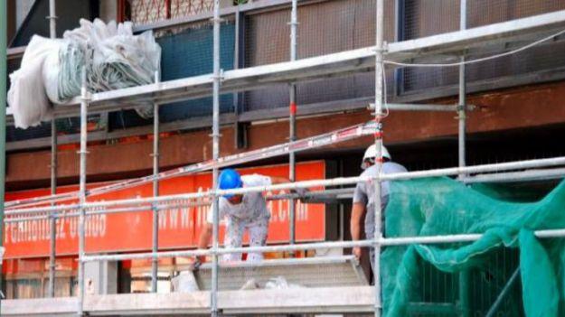 El Gobierno lo vuelve a hacer: Suspende en el último momento obras en las que se comparta espacio con los residentes