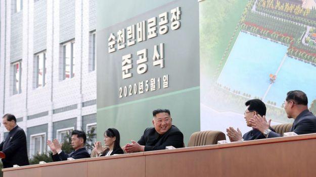 Kim Jong-un reaparece en público, ¿dónde estaba el líder norcoreano?