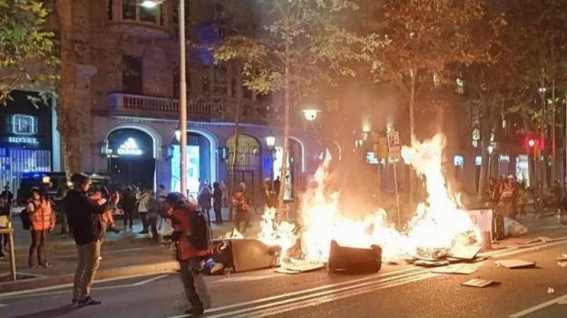 Un estudio arroja que la violencia nacionalista en Cataluña se multiplicó por cinco en 2019