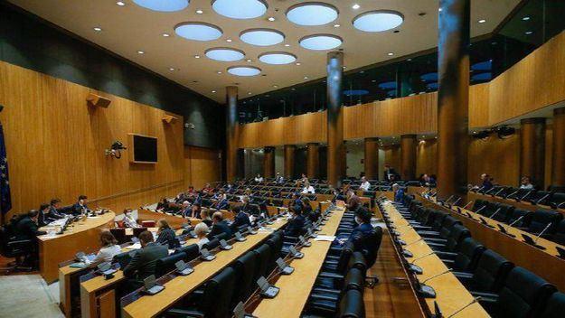 El PSOE impone su mayoría en la comisión para la reconstrucción