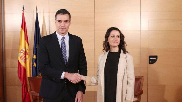 El Gobierno 'visualiza' su nueva interlocución con Cs con una reunión en La Moncloa