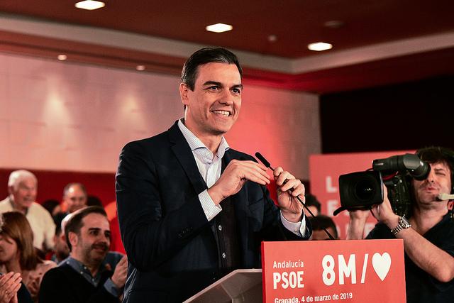 """Sánchez: """"Sólo hay dos opciones: Una España que mire al futuro o una España que retroceda 40 años"""""""