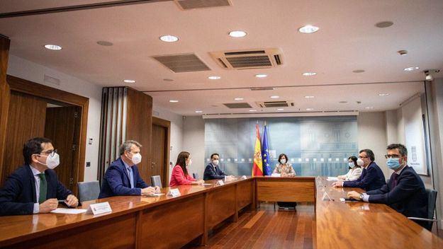 Ayuso 'no descarta' que PSOE y Ciudadanos quieran echarla de Madrid