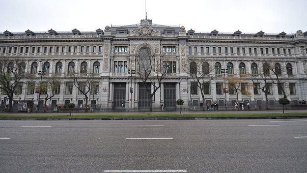 El gobernador del Banco de España cree que no hay un fallo de mercado que justifique una banca pública