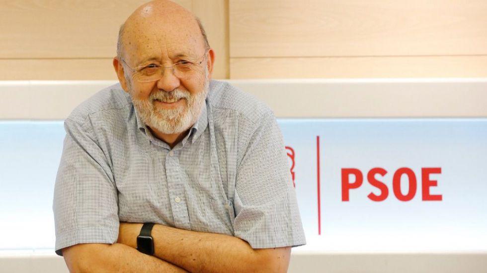 El PP recorta tres décimas al PSOE y Podemos desbanca a Vox de la tercera posición