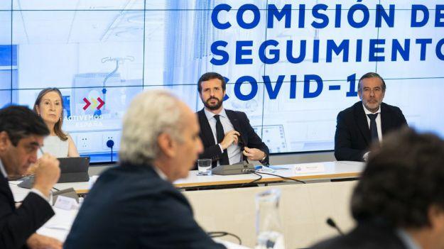 Casado ofrece su plan jurídico a un Gobierno 'que vuelve a estar desbordado'