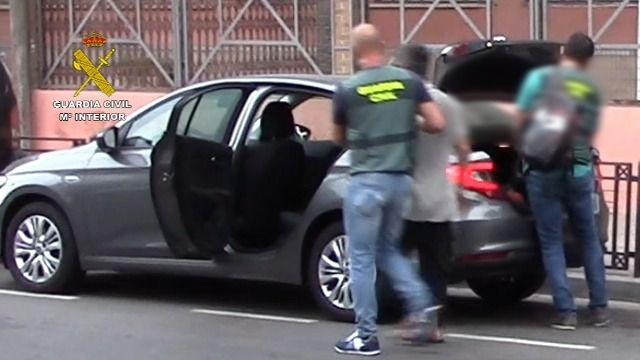 La Guardia Civil detiene a un hombre acompañado por su hija, cuya desaparición fue denunciada por su madre en Suecia