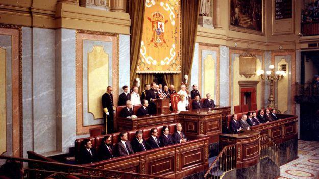 Más de 70 exministros y altos cargos suscriben un manifiesto de apoyo a Juan Carlos I
