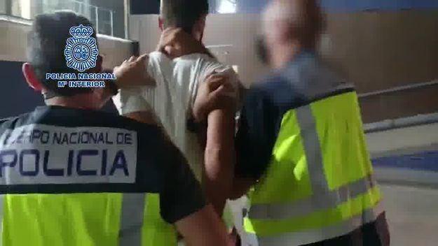 La Policía detiene en Barcelona a un fugitivo buscado por homicidio