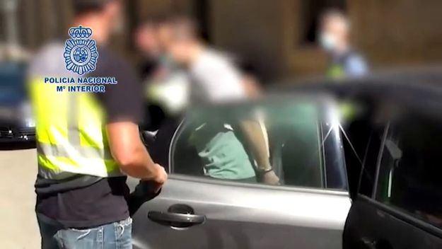 La Policía detiene a un negacionista de la Covid 19 por incitación al odio a través de las redes sociales
