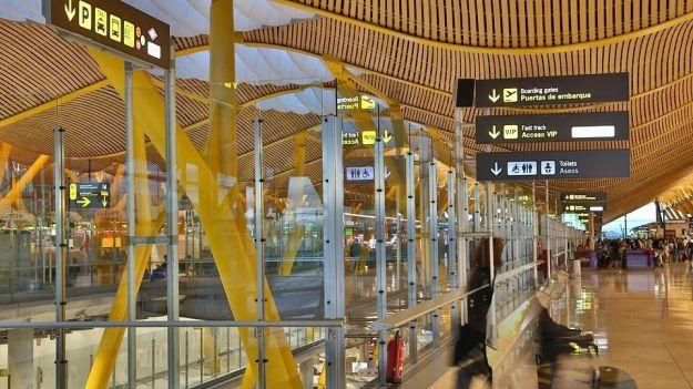 La debacle de los aeropuertos españoles en agosto en cifras