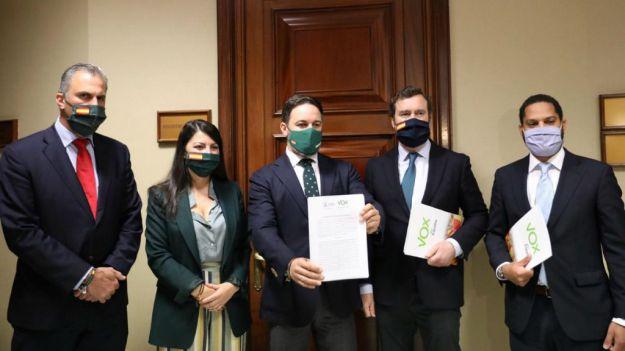 Vox registra su moción de censura: 'España no está condenada. Hay alternativa'