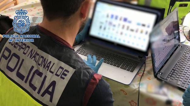 Detenidos 12 pedófilos, cuatro de ellos menores de edad