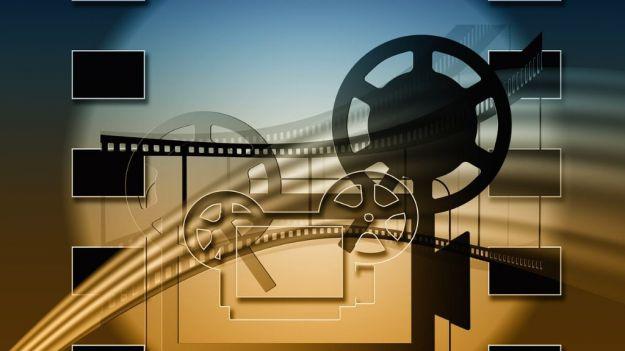 Plataformas de acceso libre y sin cuota para ver películas y series gratis