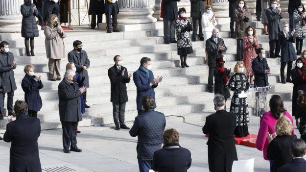 Pablo Iglesias desdibuja el Día de la Constitución aspirando a