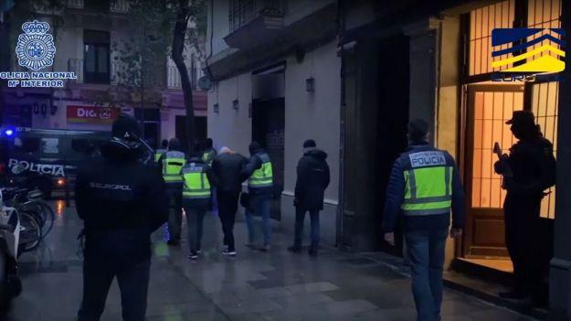 Los tres inmigrantes ilegales de Barcelona se disponían presuntamente a cometer un ataque terrorista