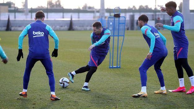 El Barça se la juega hoy ante el Rayo con el regreso de Messi