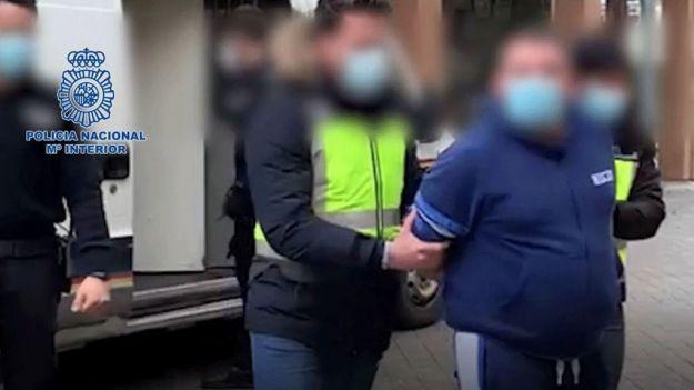 La Policía detiene a un fugitivo con nueve órdenes de detención por diversos robos con fuerza