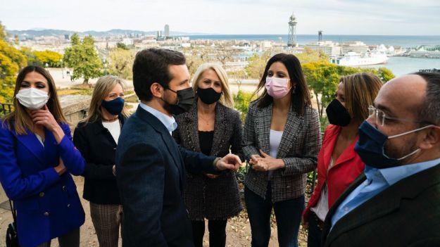 Casado: 'Es asfixiante el clima que han creado el PSOE y los radicales de ambos extremos del hemiciclo'