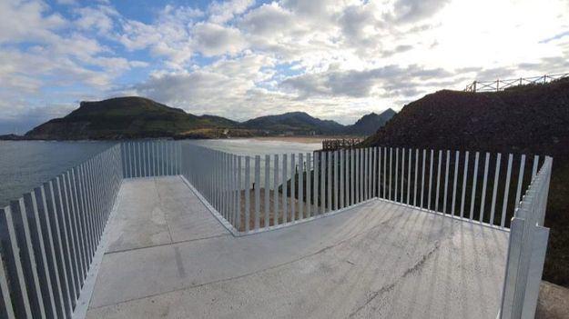 Muskiz inaugura mirador en una de las rutas más bellas del norte