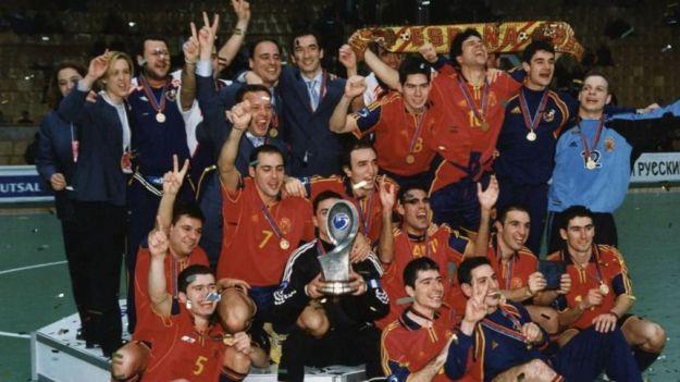Hace 20 años España se tomó la revancha y levantó su segundo Europeo en Moscú
