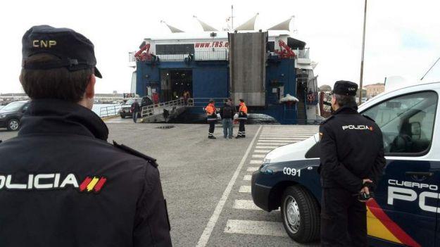 La Policía Nacional rescata a un menor que pretendía entrar en España de forma ilegal