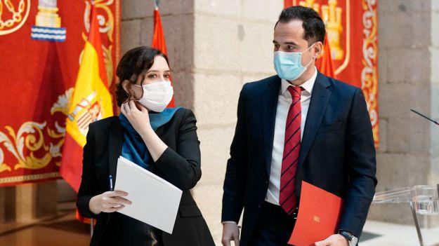 Ayuso reacciona a la moción de censura en Murcia dimitiendo y convocando elecciones anticipadas