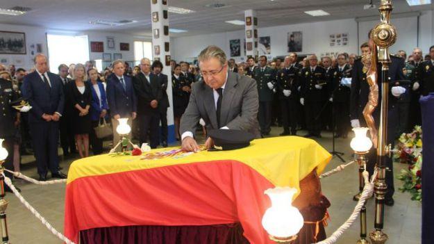 Homenaje en forma de medalla al Policía asesinado esta semana en Valencia