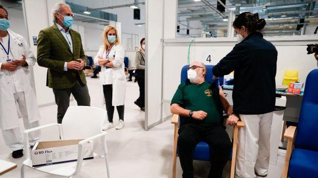 La Comunidad de Madrid sí ha vacunado los cuatro días festivos de Semana Santa