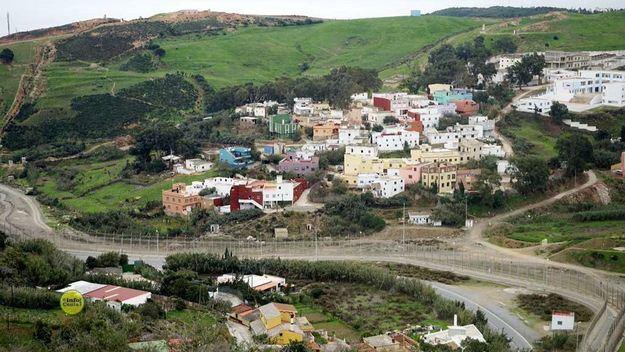 60 subsaharianos intentan entrar en Ceuta, Elín denuncia una devolución en caliente 'inexistente'